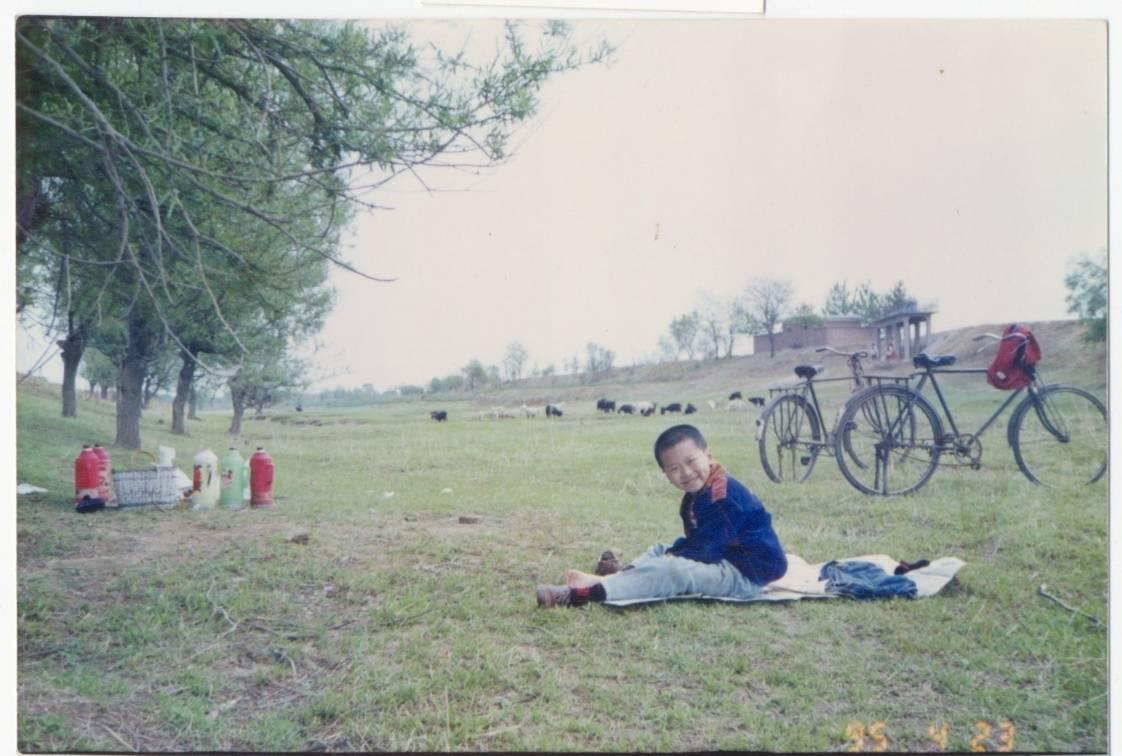 傻瓜相机所摄郊游野餐